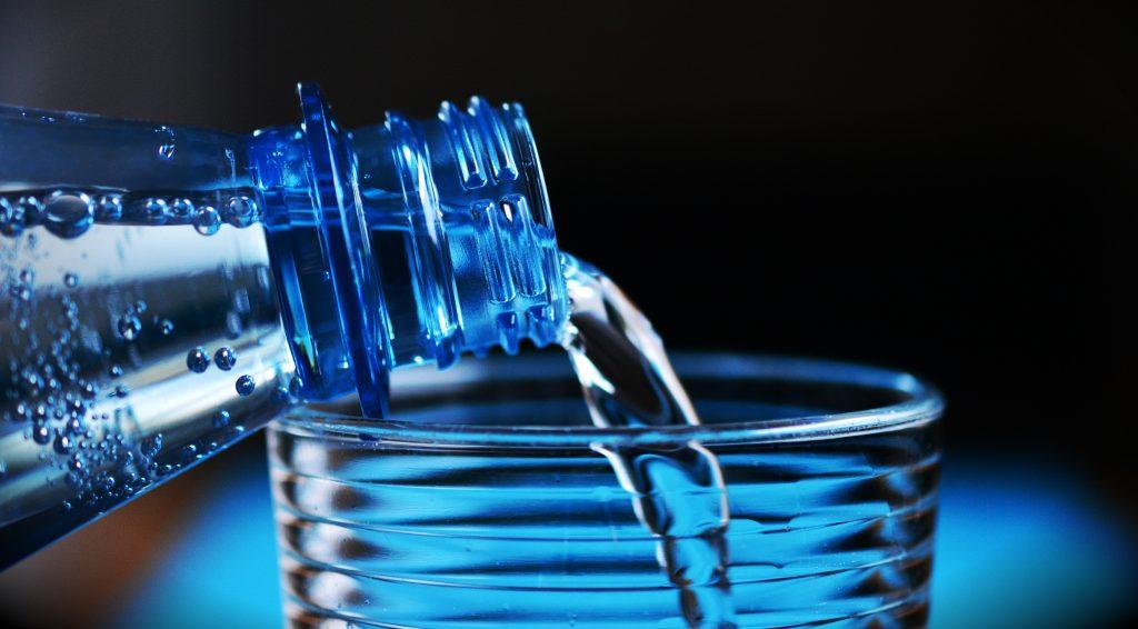 Les avantages de boire de l'eau pétillante